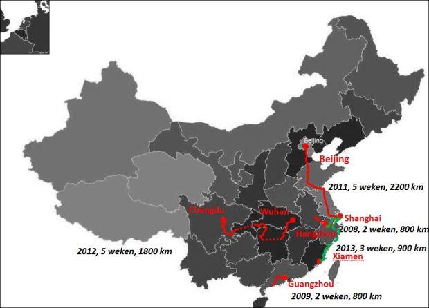 Kaart met vijf reizen